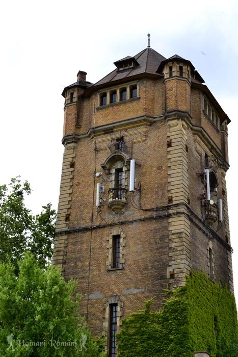 Turnul de apă din Arad -Hoinariromani