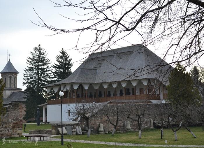 Muzeul tiparului și cărții vechi românești -Târgoviște -hoinariromani