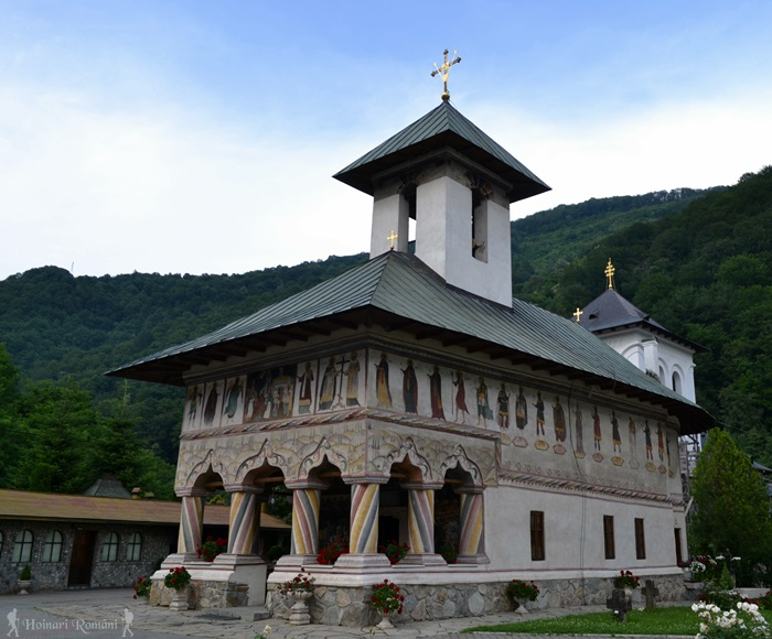 10 manastirea lainici -hoinariromani