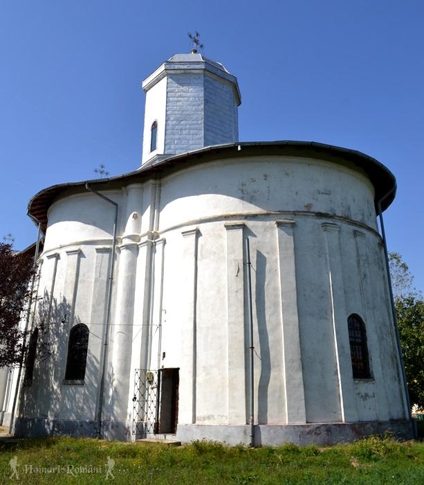 14 manasia-biserica-hoinariromani