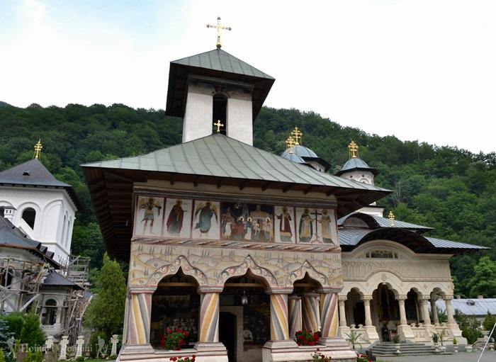 4 manastirea lainici -hoinariromani