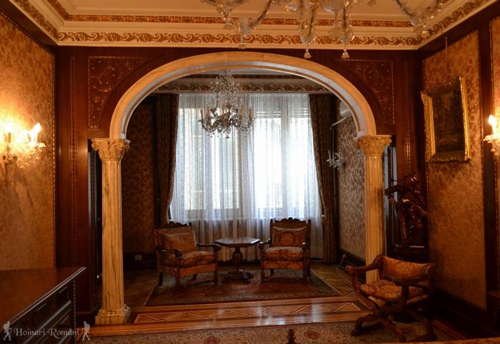 2 palatul primaverii hoinariromani