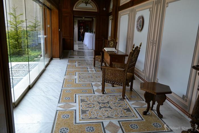 21 palatul primaverii hoinariromani