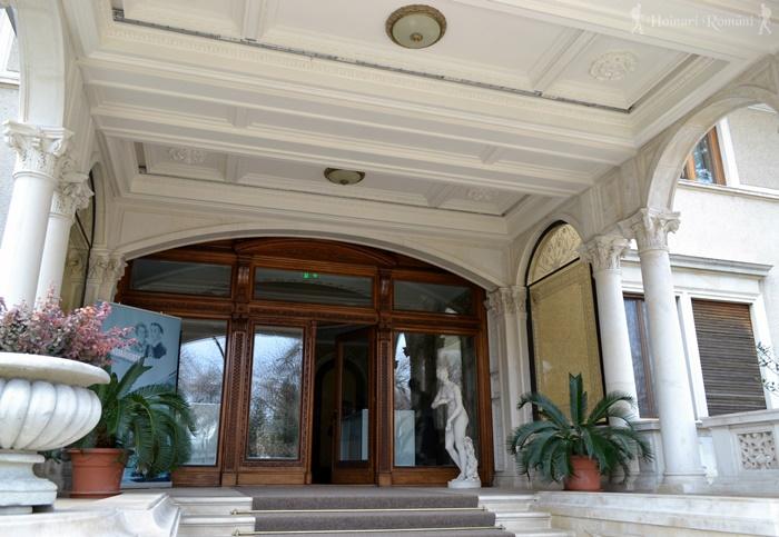 22 palatul primaverii hoinariromani