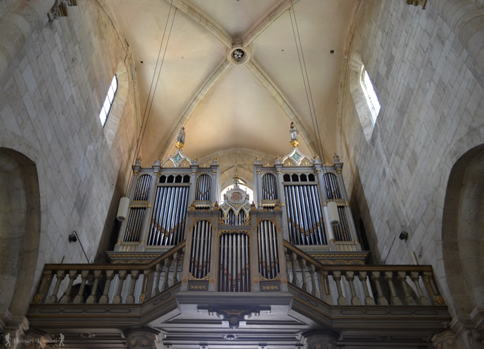 3alba biserica catolica-hoinariromani