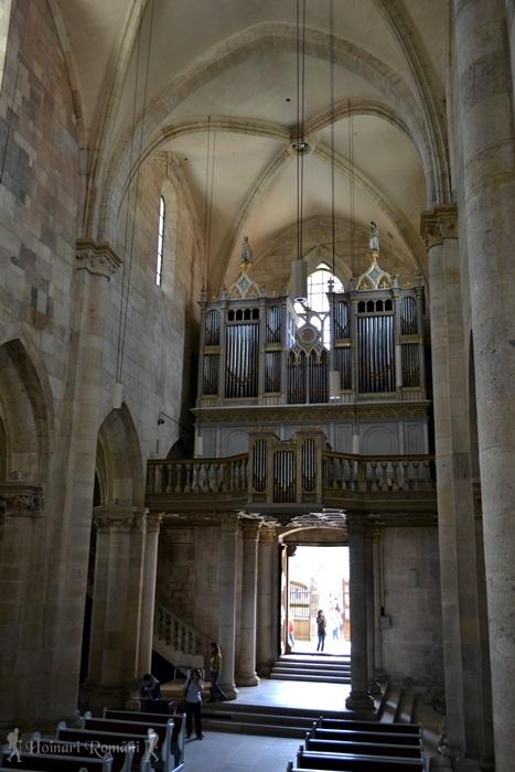5alba biserica catolica-hoinariromani
