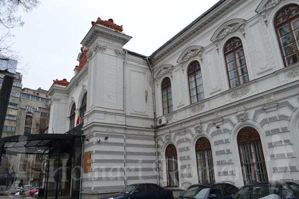 Palatul Sutu= muzeul bucuresti