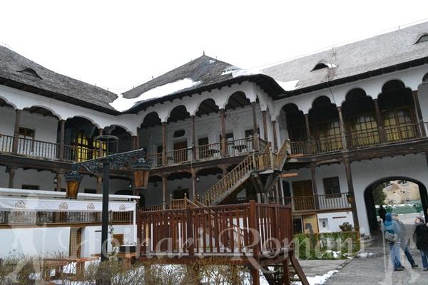 curtea interioara -Hanul Manuc